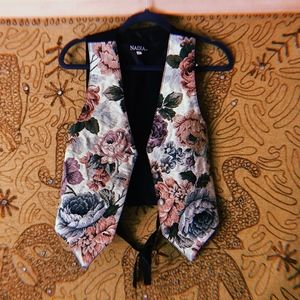 🌼Vintage Floral Tapestry Vest